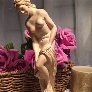 Vintage Deco Nude Goddess Bathing Statue Signed